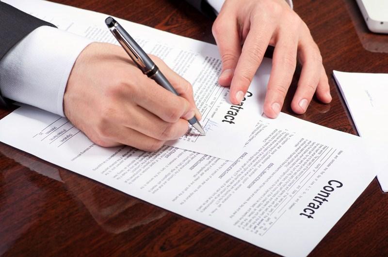 Aanzegverplichting uit hoofde van arbeidsovereenkomst